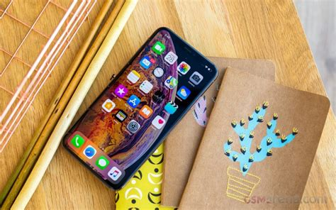 apple iphone xs max review lab tests display battery