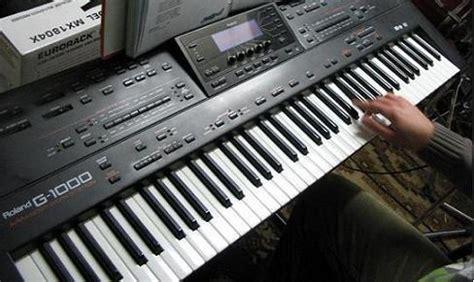 Keyboard Roland G 1000 roland g 1000 image 140000 audiofanzine