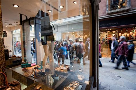 best shopping in venice personal shopper in venice venetian shopping expert