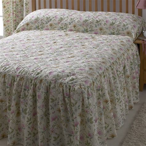 cottage bedding vantona country cottage garden quilted fitted bedspread
