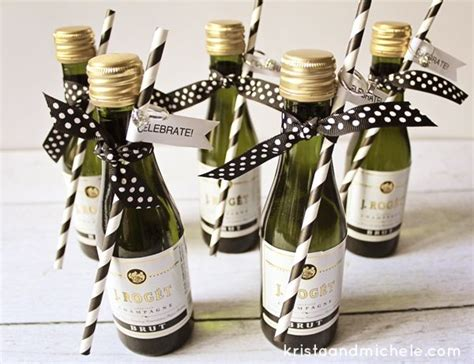 Engagement Party Giveaways - best 25 engagement party favors ideas on pinterest cheap wedding party favors