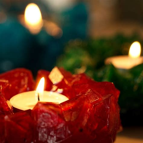 how to make colorful aromatic healing candles learn to make naturally colorful aromatic candles at home books 1000 ideas about candles on how to
