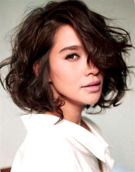 cortes para cabello ondulado y cara ovalada cortes de pelo rizado mujer cara ovalada peinados de moda