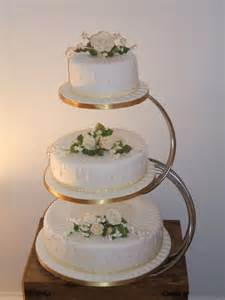 Tiered Wedding Cakes With Pillars