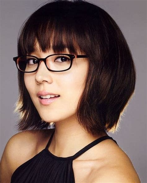 style hair over face short hairstyles for women with round faces and glasses