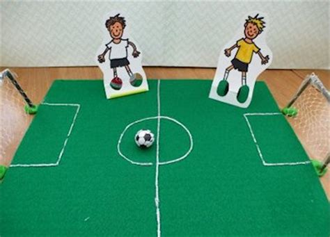 How To Make A Football Field Out Of Paper - 15 soccer crafts about family crafts