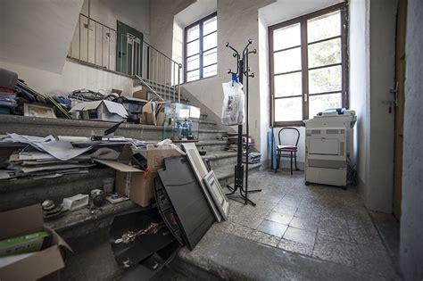 ufficio delle entrate viterbo ufficio sta comune in un magazzino angusto e