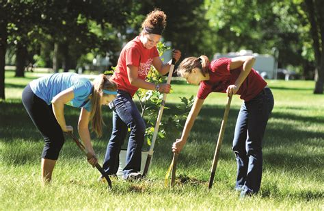 Student Service Projects On Community hundreds of central college volunteers to serve community central college news