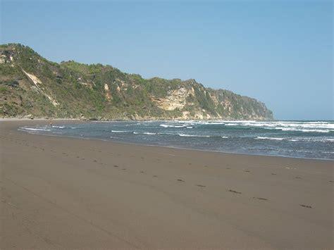 wonderful tourism  yogyakarta parangtritis beach