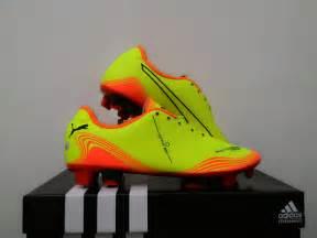 Sepatu Bola Anak Adidas Size 33 Size 37 Murah grosir sepatu futsal murah grosir sepatu futsal komponen