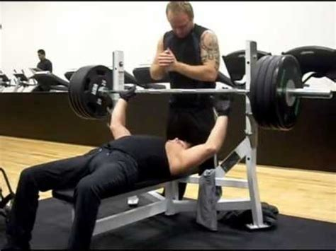 bench press injury spinal cord injury weight lifting bench press 160 kg 352