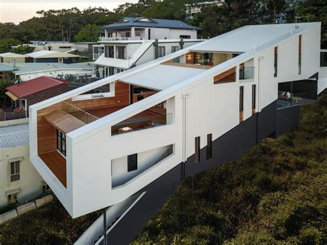 Hits The Market by Floating Cliffside House In Australia Hits The Market
