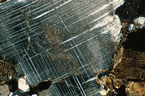 albite in thin section plagioclase