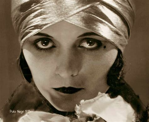 1925 hair styles make up advice to flappers 1925 glamourdaze