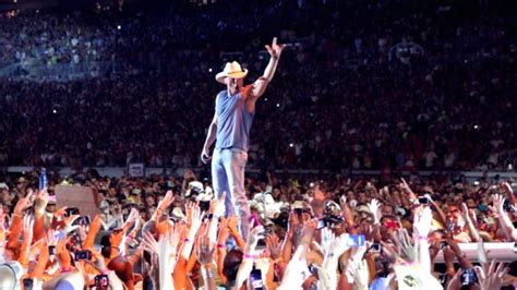 Kid Rock Explains Why He Hit by Kid Rock Explains Why He Never Lets Kenny Chesney The