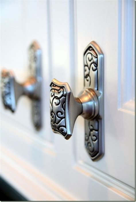 kitchen cabinet door knobs and handles 25 best ideas about knobs for cabinets on pinterest