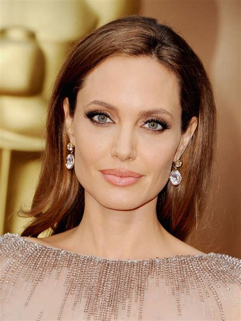 Gorgeous Makeup At The Oscars by On Brad Pitt