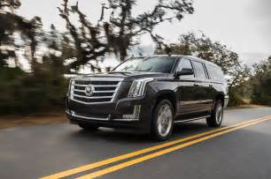 Escalade Cadillac 2015 2015 Cadillac Escalade Front Three Quarters In Motion Photo 25