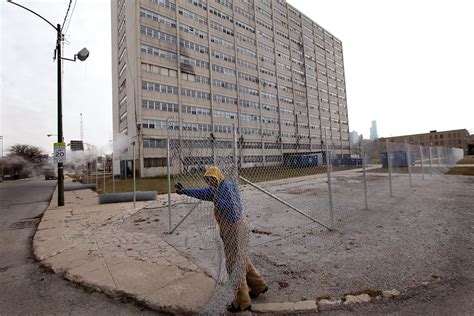 chicago housing authority chicago il infamous chicago housing project cabrini green closes down zimbio