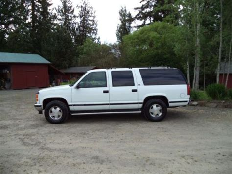 service manual 1996 gmc suburban 1500 workshop manual free downloads service manual 1996 gmc service manual 1996 gmc suburban 1500 how to replace tail light assembly sell used 1996 gmc