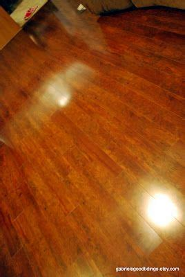 the floor and cleanses on