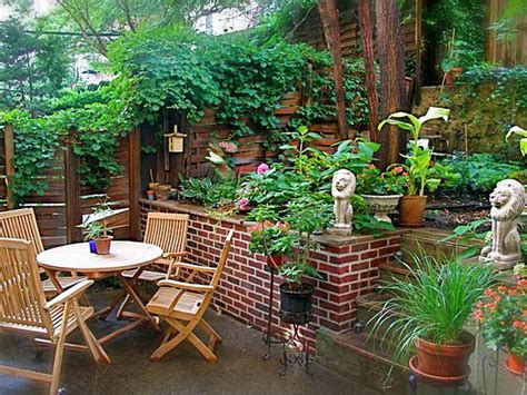 Shady Backyard Ideas Awesome Shady Backyard Ideas With Yard Landscaping Design Shade Garden Courtyard On Pinterest