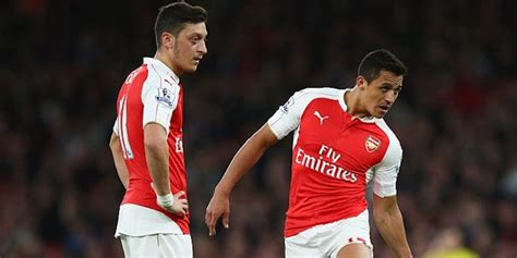 alexis sanchez not nominated ozil alexis nominated for fifa s best player 2016 award
