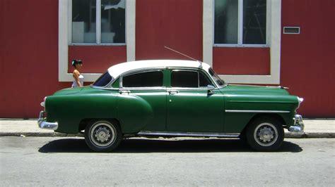 Carro Antiguo Versus Carro Moderno Qu 233 Hacer En Cienfuegos Renta En Cienfuegos