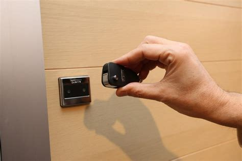 serratura elettronica porta blindata porta blindata hibry ceramiche d alessandra a mazzarino