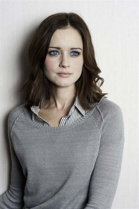 alexis bledel alexis bledel photo 32159474 fanpop