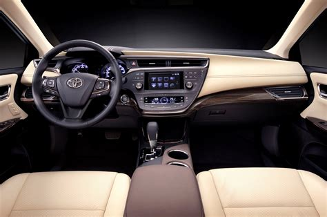 Toyota Avalon Interior 2015 Toyota Avalon Reviews And Rating Motor Trend