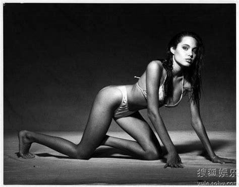 nude15 year old 15 year old angelina jolie already glamorous sexy cctv