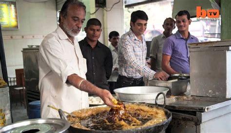 Minyak Goreng Hari Ini Di daebak chef ini bisa celupkan tangannya di minyak mendidih tanpa luka kabar berita artikel