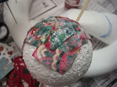 Decoupage Ornaments - 100 2798 woo jr activities