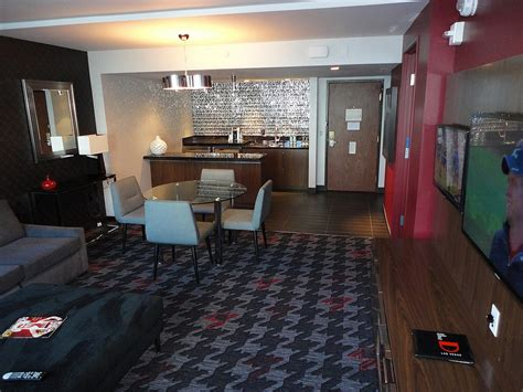 2 Bedroom Suites Las Vegas Planet Hollywood by Where To Host Your In Suite Vegas Reception