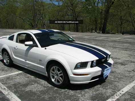 2005 Ford Mustang Gt by 2005 Ford Mustang Gt