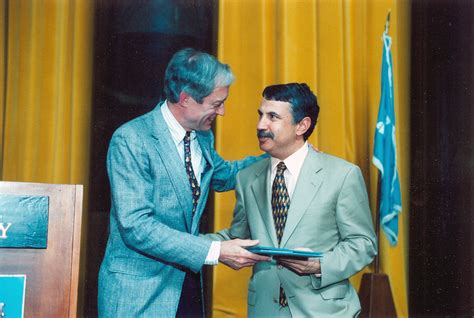 george anthan journalist and two time pulitzer prize thomas friedman of the new york times the pulitzer prizes