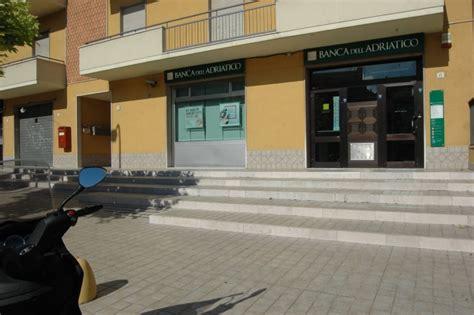 banca dell adriatico vasto rapina alla banca dell adriatico di san salvo bottino