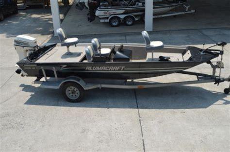 alumacraft boats nc 16 foot alumacraft crappie pro 16 foot fishing boat in