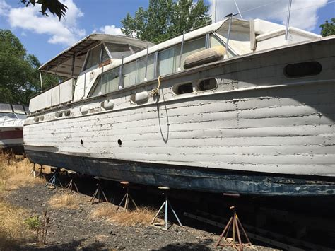 chris craft power boats 1960 chris craft constellation power boat for sale www