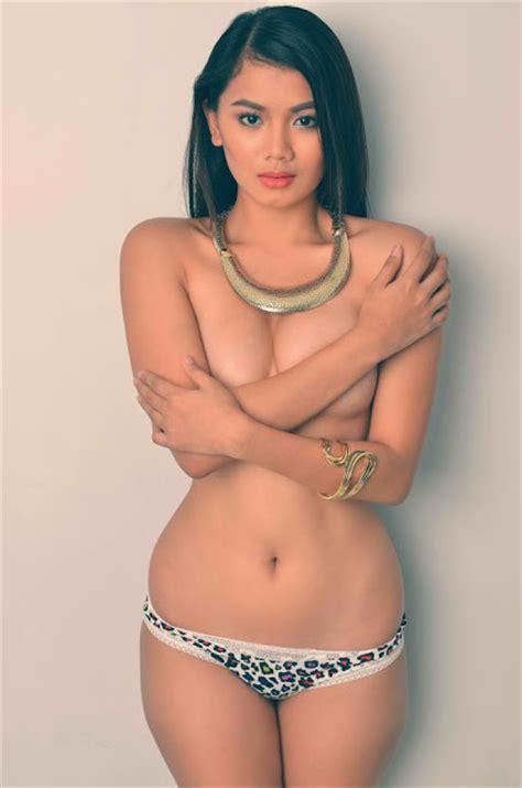 jelly jelo selfie bikini lingerie model indonesia foto