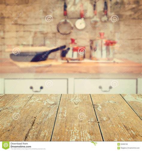 imagenes libres cocina vacie la tabla de madera del vintage sobre fondo borroso