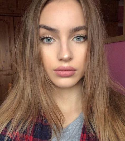 amazing  beautiful blonde blue jeans image