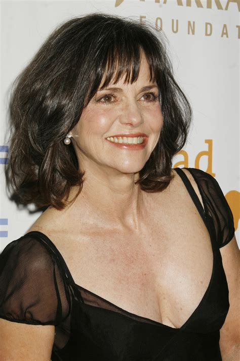 Sally Field Hairstyles by Sally Field Memoir In Pieces Coming Out Next Fall Kutv
