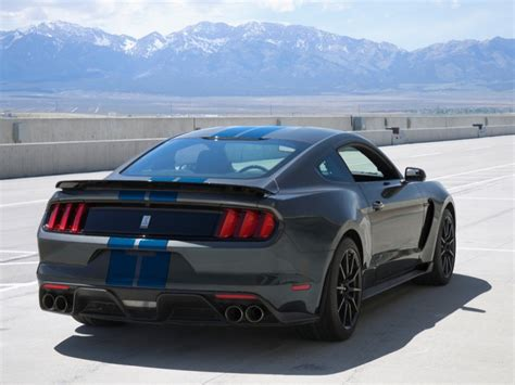 ford shelby gt350 mustang wins 2017 kelley blue book best