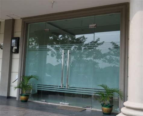 Tempered Glass Pintu harga pintu kaca tempered frameless gudang design