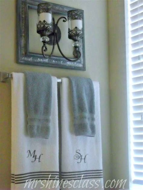 hanging decorative towels in bathroom 25 best monogram towels ideas on pinterest embroidered towels bernina embroidery