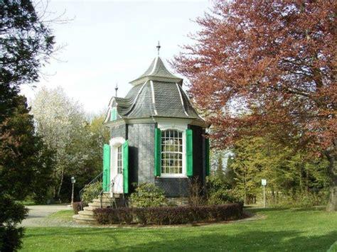 victorian garden shed  shrubs founterior