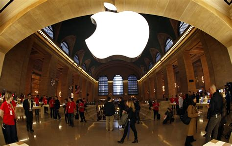 new york station books the look of the grand central apple store the atlantic