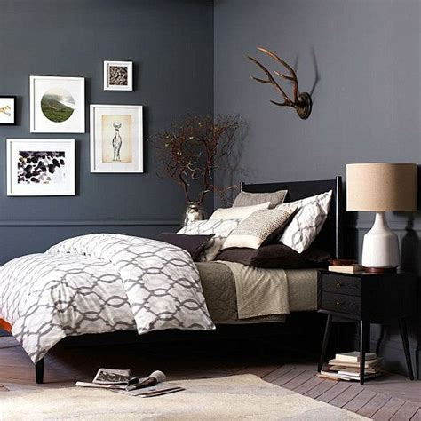 schlafzimmer ideen graues bett lavendelfarbene wand schlafzimmer braunes bett